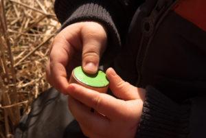 gałki dzieciece - zielone emaliowane - na spacerze