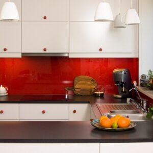 biało czerwona kuchnia – Wyględy – gałki ceramiczne