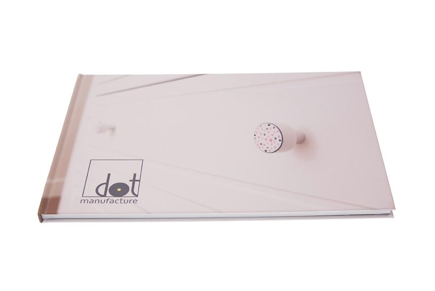 Gałki dziecięce wykonane z emalii na drewnie - okładka katalogu DOT Manufacture