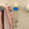 Przykładowe użycie emaliowanych wieszaków SIMPLE - odcienie chłodne | DOTmanufacture