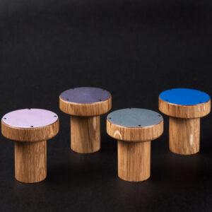 Niektóre z kolorów do wyboru w zestawie upominkowym z wieszakami emaliowanymi SIMPLE | DOT manufacture
