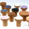 Wieszaki SIMPLE w towarzystwie wieszaków BASIC i SIMPLE emaliowanych | DOT manufacture