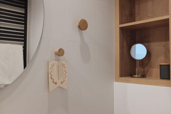 Wieszaki na odzież - drewniane, olejowane, w różnych średniach - DOT Manufacture