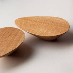 Uchwyty do mebli - nieregularne, drewniane PEBBle