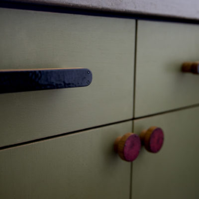 Kitchen with emazing handles - DOT Manufacture