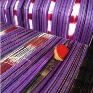 Czerwona czterocentymentowa gałka w Birmie