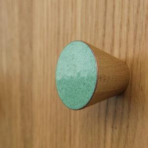 Kolorowe gałki do mebli na bazie drewna - MELANGE - DOT Manufacture